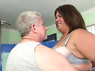 Hawt plumper receives her..