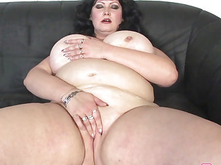 Plumper big beautiful woman..
