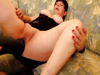 Greedy amateur slut fucks a..