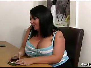 Cute bbw gives a nice fuck