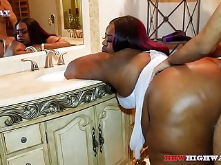 ebony bbw kurvy star gets..