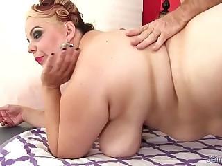 BBW Buxom Bella gets a sex..
