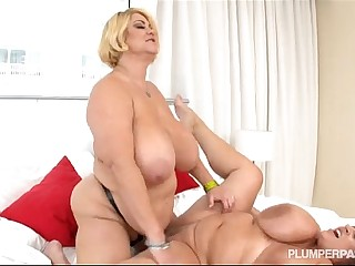 Busty BBW Pornstars Samantha..