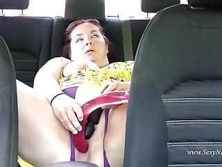 Sexy BBW Masturbates in Her..
