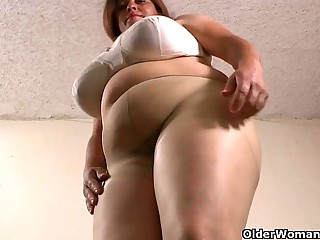 Latina BBW milfs get highly..