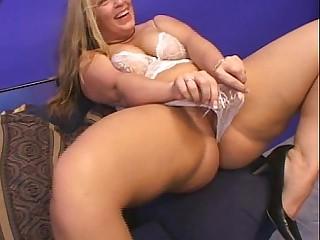 Mature blonde BBW does anal..