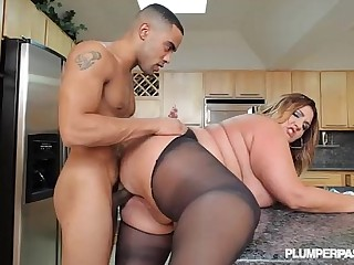 Sexy Big Butt BBW Babe Gets..