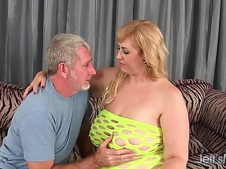 Big titty plumper Amazon..