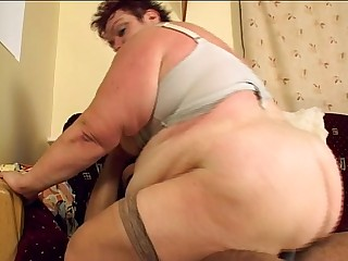 Older fat Woman fucks on..