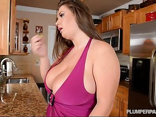 Busty Pornstar Nikki Smith..