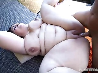 Plumper Emma Bailey Is Oiled..