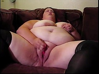 Fat Chick Plays in her Juicy..