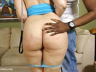 Sexy Big Booty White Girl..
