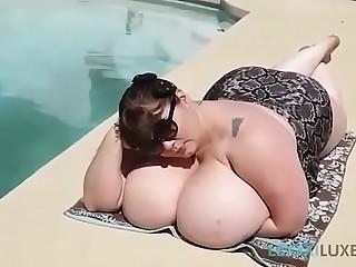 Sexy SSBBW Lexxxi Luxe..
